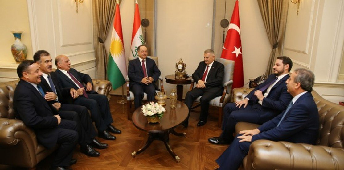 'Ankara'da Türk bayrağının yanına asılan Kürt bayrağı değil miydi'